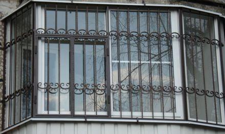 Кованая оконная решетка