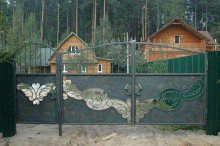Кованые декоративные ворота (цена ворот от 51 900 руб.)