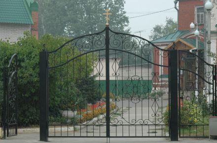 Кованые распашные ворота в Храм, г. Кимры