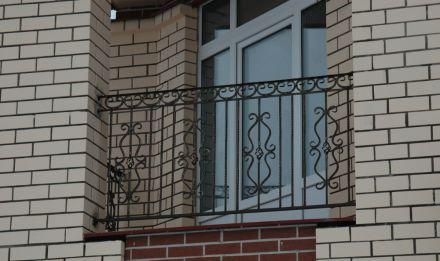 Кованые перила для балкона