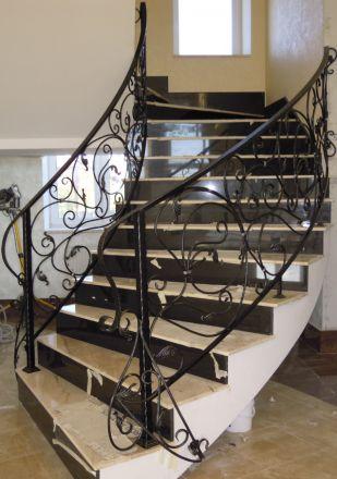 Кованые перила для бетонной лестницы в Зеленограде