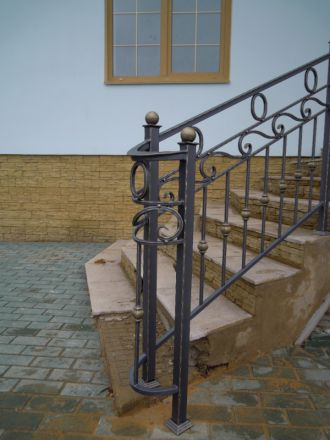 Кованые перила для лестниц в Пушкино