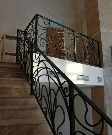 Металлические перила для лестниц