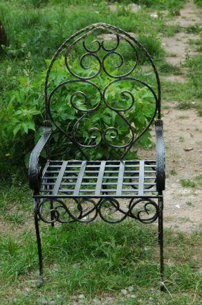 Кованый стул со спинкой