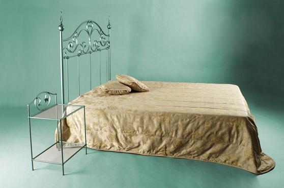 Итальянские кованые кровати