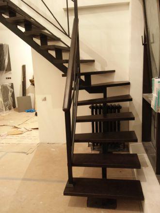 лестница с деревянными ступенями цвет венге