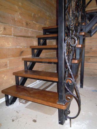Кованые элементы лестниц