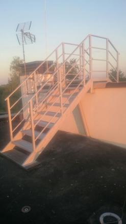 металлическая лестница на крышу