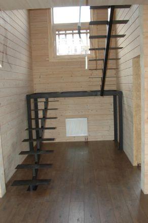 лестница под деревянные ступени