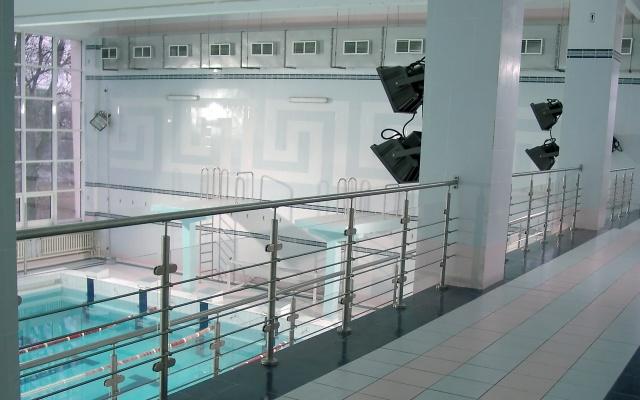 Нержавеющие перила для бассейна