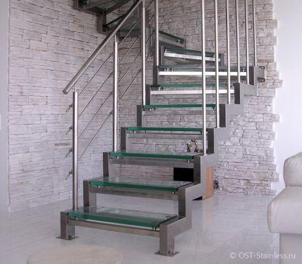 Маршевая лестница на второй этаж