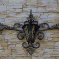 Кованый фонарь настенный