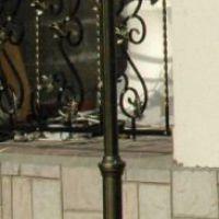 Кованый уличный фонарь