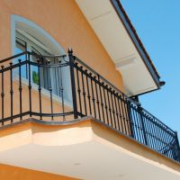 Кованые балконные перила