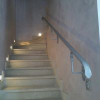Кованые поручни пристенные для лестниц