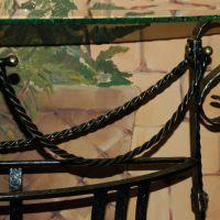 Элементы ковки в столике