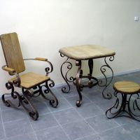 Кованые столик, стул и кресло