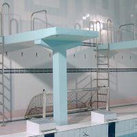 Нержавеющие лестницы в бассейне